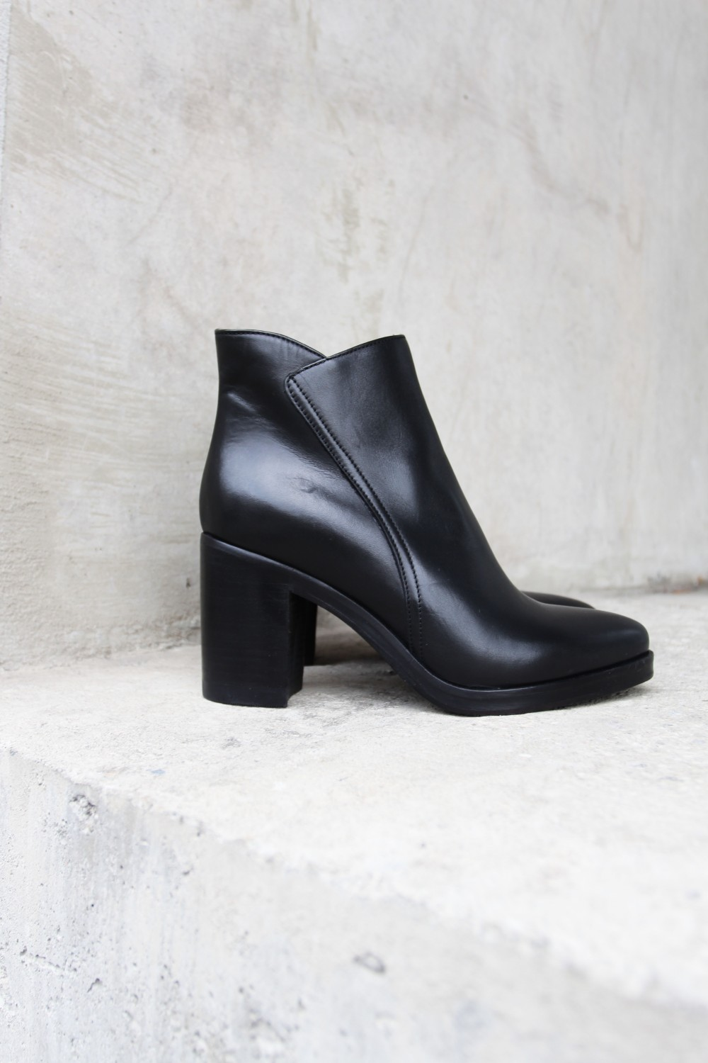 Laura Bellariva Velour Calf Nero
